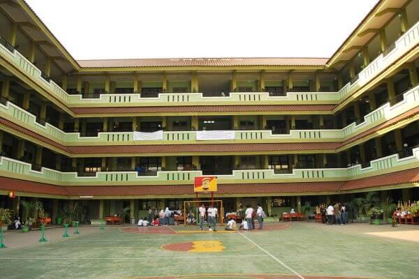Ilustrasi Sekolah